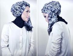 Tutorial Hijab Pasmina Motif Menjadi Turban yang Cantik 5