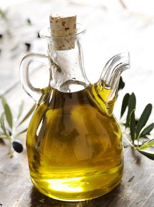 Minyak Zaitun untuk menghilangkan bekas jerawat dengan cepat