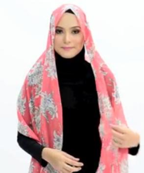 Tutorial Hijab Pasmina Motif Menutup Dada 1