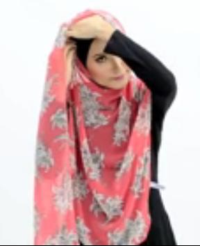 Tutorial Hijab Pasmina Motif Menutup Dada 2
