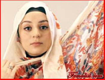 Tutorial Hijab Pasmina Motif Menutup Dada pertama