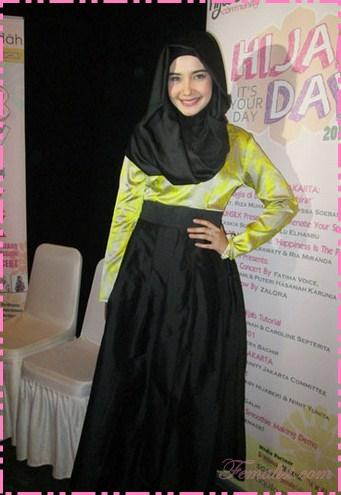 11 Busana Muslim Wanita Ala Artis Model Baju Muslim Terbaru