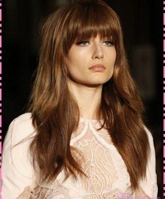 Model rambut panjang untuk muka bulat 4