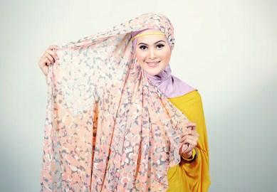 Cara Memakai Jilbab Pasmina 1
