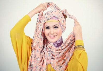 Cara Memakai Jilbab Pasmina 4