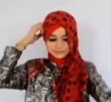 Cara Memakai Hijab Pasmina untuk ke Pesta Terbaru Simpel 3