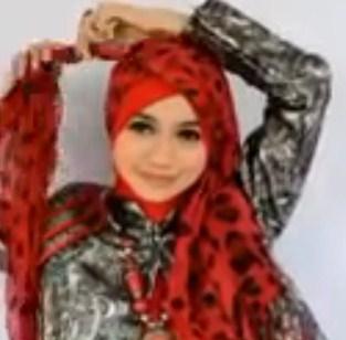 Cara Memakai Hijab Pasmina untuk ke Pesta Terbaru Simpel 6