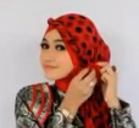 Cara Memakai Hijab Pasmina untuk ke Pesta Terbaru Simpel 9