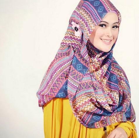 Cara Memakai Jilbab Agar Tidak Jilboobs 2