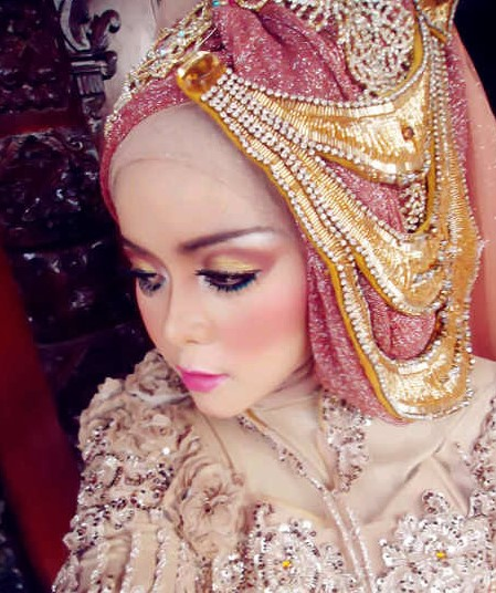 7 Desain Bros Hijab Pesta, From Simple to Glamour 2021