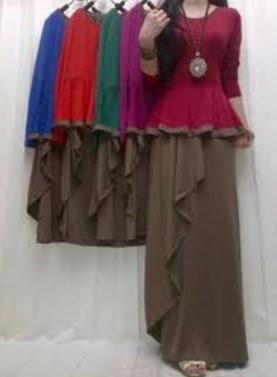 Baju dan Busana Muslim Modern Terbaru 6 - Aksesoris Kalung dan Warna Bawahan Cokelat, atasan Biru, Orange, Hijau, Pink, Merah