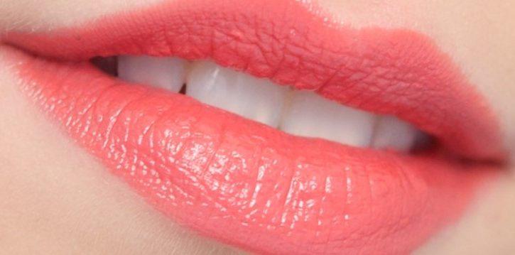 Cara Memilih Warna Lipstik Sesuai Warna Kulit