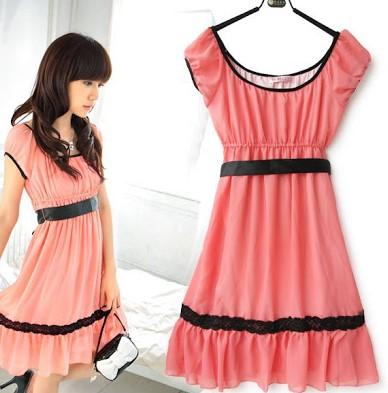 Dress Pink Cantik Mini dan Maxi untuk yang Berhijab 5 - Pendek garis hitam lucu