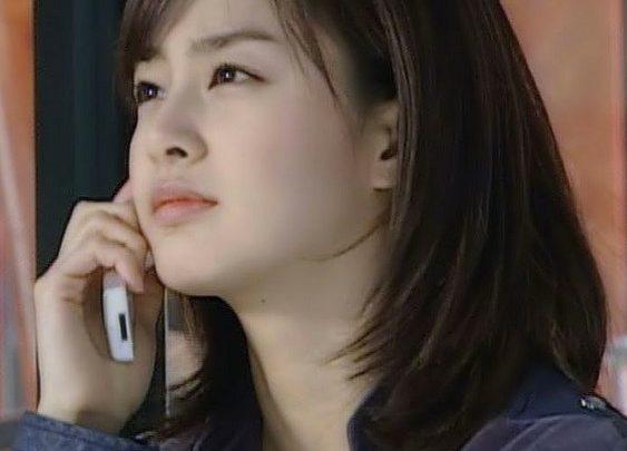 Gaya Rambut Bob Model Korea Terkenal 1 - Kim Tae Hee Berambut Bob dan Cute