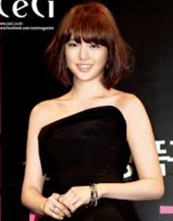 Bob Model Korea Terkenal 4  Yoon Eun Hye Bob Pendek Poni Lurus SeAlis
