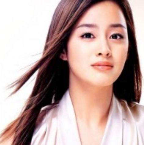 Model Rambut Panjang ala Artis Korea Terbaru 2 - Rambut Lurus Panjang ala Kim Tae hee