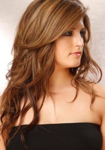 Model Rambut Panjang untuk Wajah Bulat 7 di Femalist.com