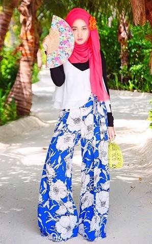 Kumpulan Long Dress Dian Pelangi Terbaru Cantik 4 - Dress Putih Celana Biru Bali BUnga-bunga