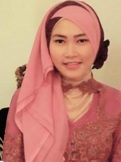 Kumpulan Model Hijab untuk Kebaya yang Cantik 2 - Dua Jilbab Segi empat paris Selendang