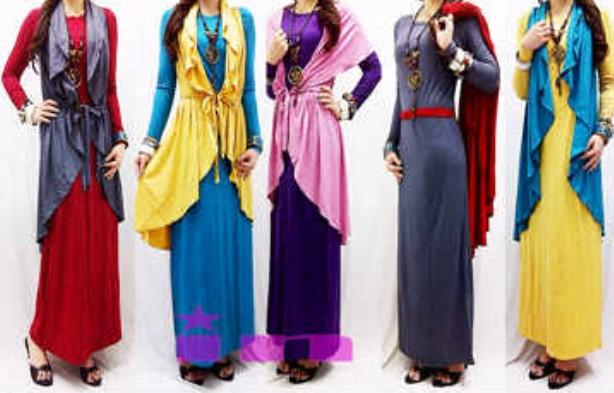 Memakai Maxi Dress Hijab untuk Tampilan Feminin