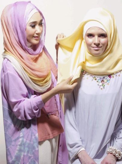 Tutorial Hijab Segiempat ala Dian pelangi 5 - Langkah dan Step Kelima