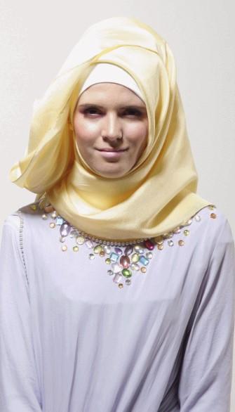 Tutorial Hijab Segiempat ala Dian pelangi 8 - Langkah dan Step kedelapan