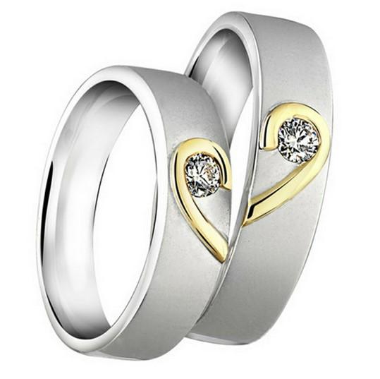 gambar foto model cincin tunangan 7 - Emas putih kombinasi sedikit kuning 1 diamond love