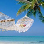 4 Tips Liburan ke Pantai Saat Tahun Baru