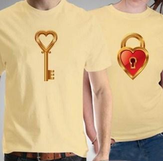 Contoh Baju Couple Valentine Terbaru dan Tips Memilih 7 - Kunci dan Gembok Warna Kuning