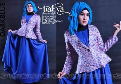 Contoh Model baju Muslim Modern 2018 7 - Baju Pesta Biru Tua