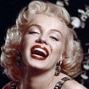 Gaya Rambut Selebriti yang Paling Populer dan Mendunia 1 - Marilyn Monroe