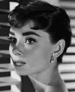 Gaya Rambut Selebriti yang Paling Populer dan Mendunia 2 - Audrey Hepburn