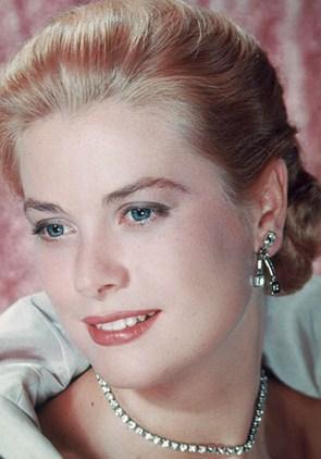 Gaya Rambut Selebriti yang Paling Populer dan Mendunia 5 - Grace Kelly