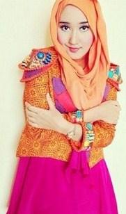 Tips Cara Padu Padan Gaun Kebaya Pesta dengan Model Hijab 2 - Ala Dian Pelangi