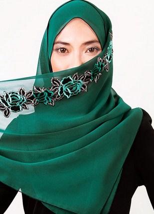 Tips Merawat dan Mencuci Hijab Supaya Awet