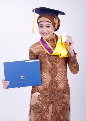 Contoh Kebaya Muslim untuk Wisuda Model Baru 3 - warna cokelat elegan