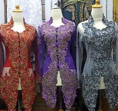 Contoh Kebaya Muslim untuk Wisuda Model Baru 5 - Warna-warni