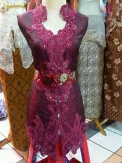 Contoh Kebaya Muslim untuk Wisuda Model Baru 6 - Kain Kebaya Elegan dan Simpel