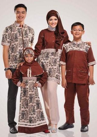 Contoh Model Baju Batik Muslim Anak Terbaru dan Terbaik 4 - Kombinasi Cokelat dengan Warna Muda Modern