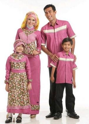 Contoh Model Baju Batik Muslim Anak Terbaru dan Terbaik 7 - Sekeluarga Pink Floral Cantik