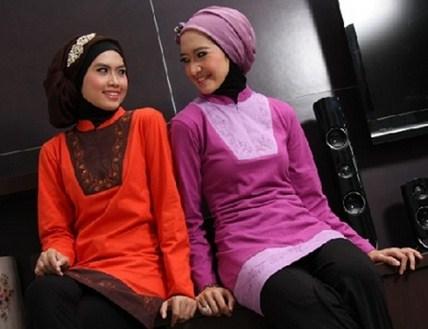 Contoh Model Kaos Muslim Remaja Trendy Terbaru 9 - Kombinasi Keren