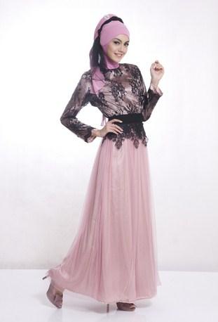 Gambar Contoh dan Model Baju Muslim Pesta Terbaru 2 - Brokat Hitam Kombinasi Pink