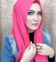Cara Memakai Jilbab Buat ke Kantor dengan Pashmina