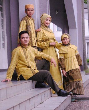 Model Baju Keluarga Muslim Couple Terbaru 1 - Baju Sederhana untuk Family