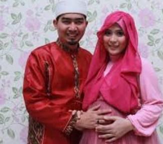 Model Desain Baju Hamil Muslim Buat Lebaran 5 - Ala Istri Ustadz Solmed