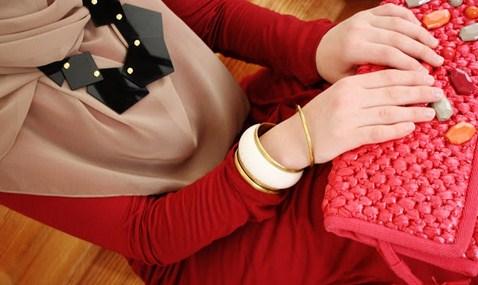 Tutorial Hijab Segi Empat Formal untuk ke Kantor 1 - Jilbab Modis Kantor