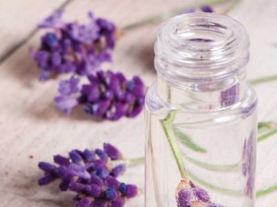 Berikut ini cara membuat parfum yang lengkap dengan menggunakan 6 bahan pilihan