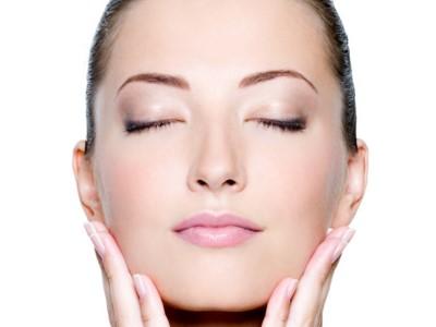 5 cara menghilangkan bekas cacar di wajah dengan bahan-bahan herbal