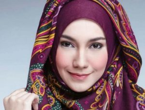 Kumpulan Cara Memakai Hijab Zoya untuk Tampil Stylish!
