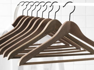 Berikut ulasan lengkap harga hanger baju beserta model, bahan, dan fungsinya